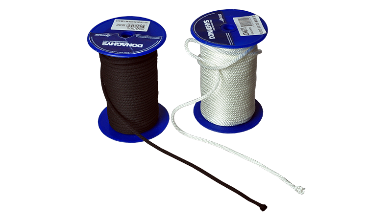 Standard, durable, high quality cord and pulley operation.