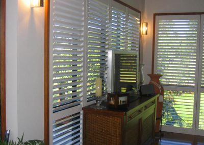 shutters-plantation-vinyl-1